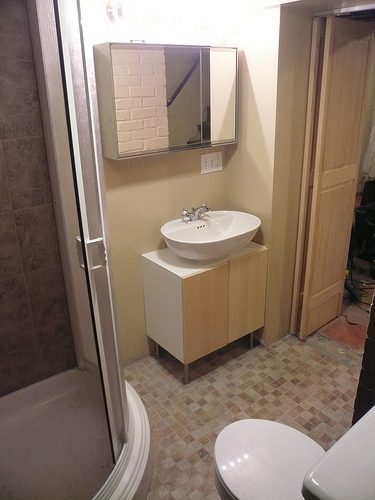 Planning a diy demolition for your bathroom remodel for Bathroom ideas on a low budget