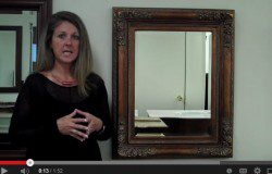 Decorating With An Ornate Mirror