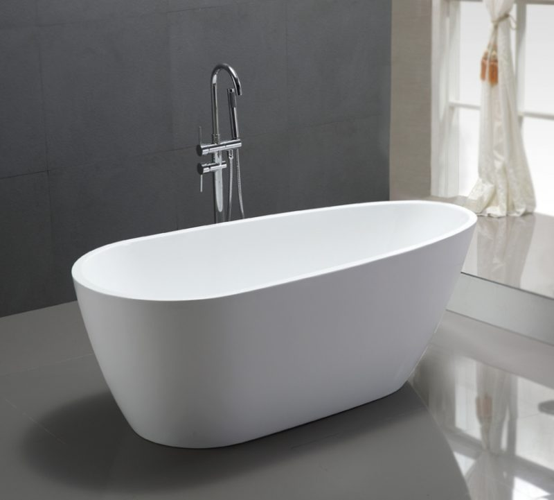 68 Inch White Acrylic Freestanding Tub